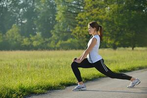 How to Incorporate Physical Fitness Into Your Routine Safely